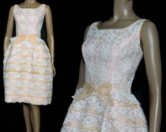 Vintage 1950s Dress // Party Dress//Pink// Peach//Chiffon// Crinoline Lining//Full Skirt// 1950s Dress// Lace// Union Label// 50s Pink Dress