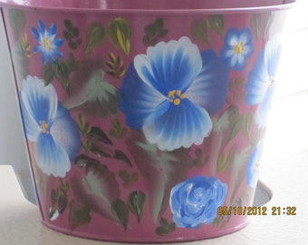 Tin Planter floral design hand painted. Great Valentines day gift. Birthday, Anniversary, Bridal shower, Housewarming, gift for her, Teacher