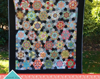 Southern Aurora English Paper Pieced Quilt Pattern by Lilabelle Lane - EPP - Fussy Cutting - PDF DOWNLOAD