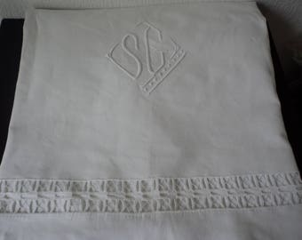 Stunning French vintage white metis linen embroidered sheet (05565)
