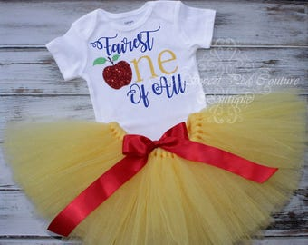 Snow White First Birthday Tutu Outfit- Cake Smash Outfit- Fairest One of All- 1st Birthday Outfit- Snow White Birthday- 1st Birthday Shirt