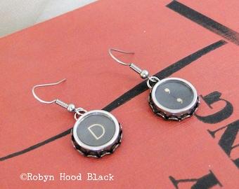 Schreibmaschine Schlüssel Ohrringe Jahrgang Buchstabe D und Komma Schlüssel