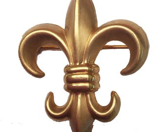 Gold Fleur De Lis  pin clip  - Signed 2 Winward 1/20 12 Kt Gf  - Gold Filled  brooch