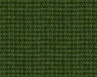 Woolies Flannel Fabric, Houndstooth Print, Light Texture, Faux Wool - by Maywood Studios - Dk. Green F18503 G2 - Priced by the 1/2 yard