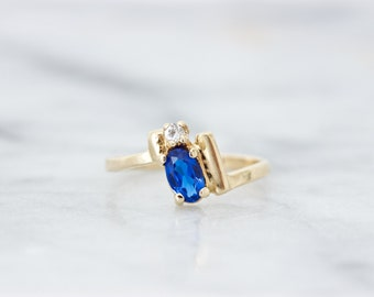 Dainty Vintage Midi Ring, Unique Geometric Knuckle Ring, Small 10k Yellow Gold Pinky Ring, Minimalist Blue Gemstone, Gifts for Her Size 2.75