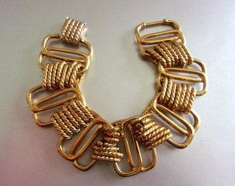 KENNETH J LANE KJL Chunky Chain Link Bracelet, Gold Tone, Twisted Loops, Vintage