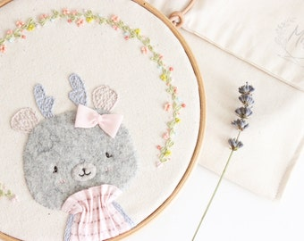 Embroidery hoop art | Lis