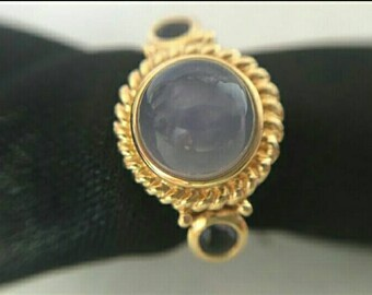 c1980's Sublime 14kt Gold Natural Moonstone and Amethysts. Gift Box included. Fully Hallmarked Ring. Accepting Offers on this item