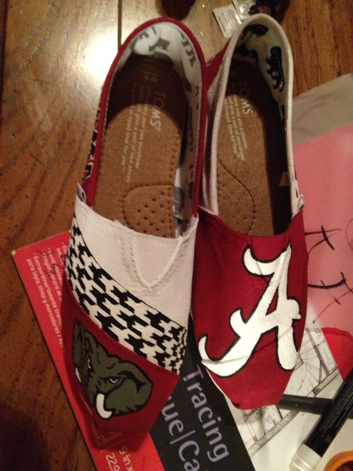 Toms Design painted alabama toms note personalized to any design