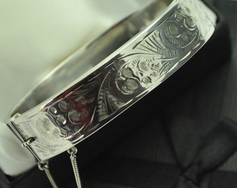 1956 Vintage 925 Sterling Silver Half Engraved Bangle Bracelet with Safely Chain