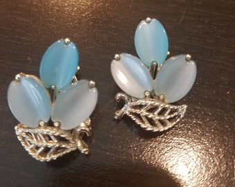 Vintage Lisner, Baby Blue, Thermoset Clip on earrings
