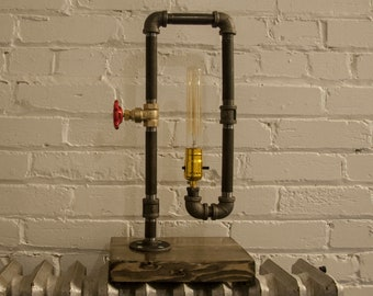Industrial Pipe & Edison Bulb lamp
