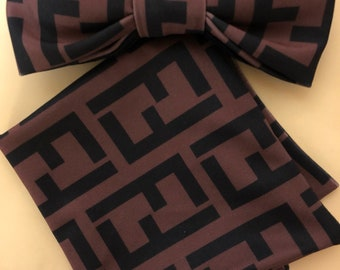 Dapper Fen D Pre-tied adjustable bowtie with an 18 inch strap