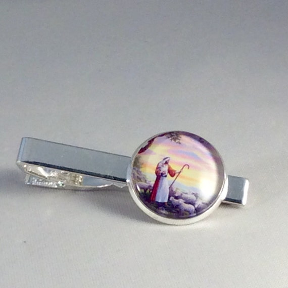 JW Shepherd Tie Clip. 20mm.Great gift for a special Elder. Presented in a Blue Velvet Gift Bag. Tie Clip only #407