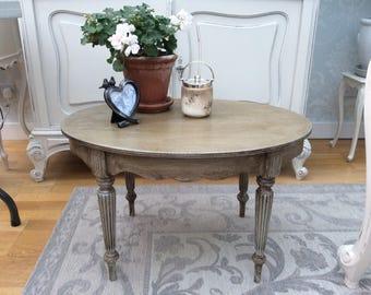 Oval vintage table