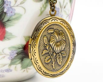 Floral Locket Necklace, Hibiscus Flower Picture Locket, Brass Locket Necklace, Vintage Brass Locket, Flower Locket Necklace, Gift For Her