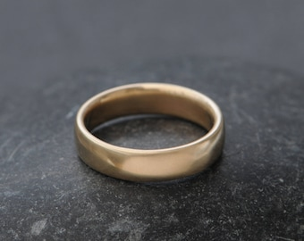 Mans Gold Wedding Band - Mans Gold Wedding Ring - Mans Wedding Ring - Gold Wedding Ring - Hand Made to Order - FREE SHIPPING