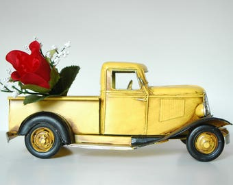 Antique Yellow Metal Truck Rustic Truck Antiques Yellow Chevy Pickup Farm Truck 1940s Chevy Truck Memorabilia Collection Model Replica