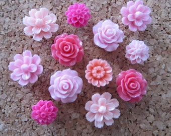 Flower Thumbtacks or Magnet Set of 12 - (#116)  dorm decor, hostess gift, weddings, bridal shower, baby shower, gift, teacher gift
