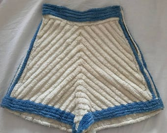 Adorable 1930's/1940's Chenille High waisted shorts xxs