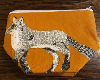 Small fox wash bag