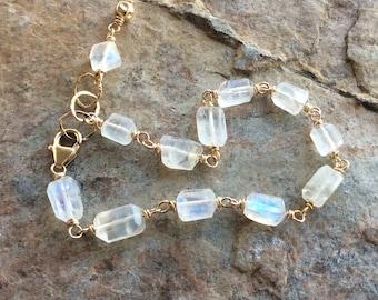 MOONSTONE bracelet, Moonstone bracelet with 14k gold filled, white gemstone bracelet, handmade bracelet, artisan jewelry, blue flash