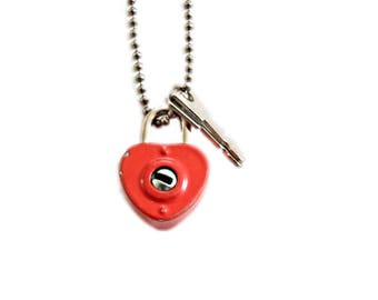 Vintage Red Heart Necklace . small lock and key . padlock necklace . red lock . red padlock . red heart lock . red heart . diary lock .