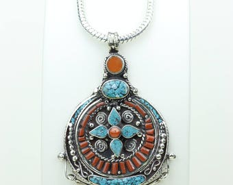 WOW Factor!!! Coral Turquoise Native Tribal Ethnic Vintage Nepal Tibetan Jewelry OXIDIZED Silver Pendant + Chain P3932