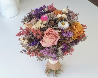 Dried flowers bouquet. A beautiful handmade dried flowers bouquet.