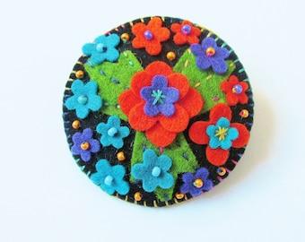 SIENNA - Felt Flower Brooch -  Flower Bouquet - Accessory - Pin - Beautiful Gift