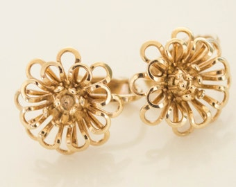Vintage gold tone flower earrings-Clip ons--Vintage earrings--Retro earrings-vintage Swirl earrings FREE SHIPPING!