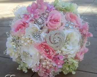 SIMPLE ELEGANT Jeweled Wedding Bouquet, Deposit for Simple GLAM Brides Bouquet, Silk Flower Bouquet, Jeweled Bouquet, Deposit Only