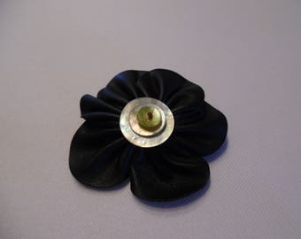 PIN or hair clip, 2 in 1 flower faux leather buttons mother of Pearl, black and grey.