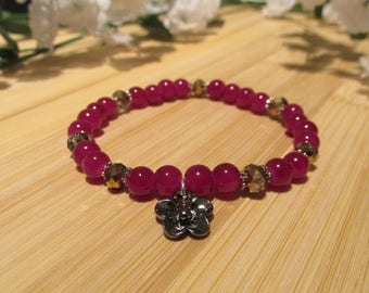 BRACELET fuchsia - glass beads - flower shaped charm - silver finish