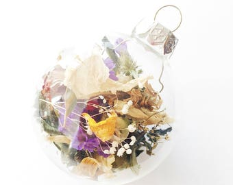 1 Pia Poe Xmas Ornament   Dried Florals   Clear   Christmas Tree Decorations