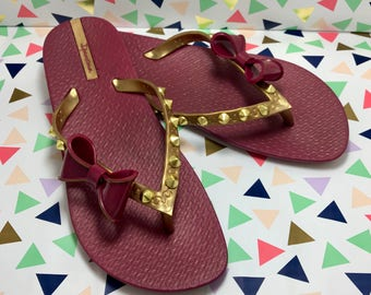 Flower Flip Flop With Gold Studs