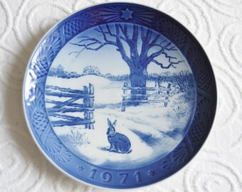ROYAL COPENHAGEN Hare In Winter Collectible Plate Blue and White 1971 Retro Plate