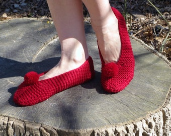 Hand knit slippers red wool slippers women christmas slippers christmas wool shoes red wool slippers men pom pom slippers wool knit slippers