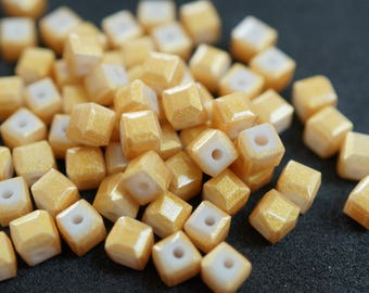 20 cubic Crystal 4 mm yellow N30