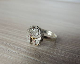 Steampunk ring // watch movement ring