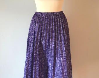 70s Vintage Pleated Midi Skirt / Purple Printed Skirt / High-Waisted / Summer Skirt / Woman / M