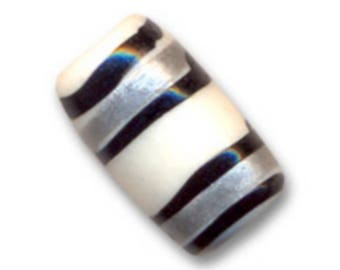 Bone - 12 x 8 mm * 8 decorated cylinder beads