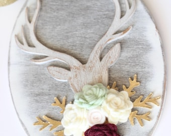 Whitewashed Christmas Antler Wood Plaque with Felt Flowers // Home Decor // Christmas  Wooden Signs