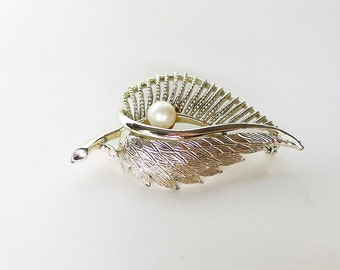 Coro Pearl Leaf Brooch Pin Vintage Jewelry, Textured Gold Tone w Faux Pearl Feathery Leaf Signed Designer Costume Jewelry Vintage Lapel Pin