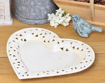 Cream vintage heart shaped trinket dish or plate, painted metal with filigree edge