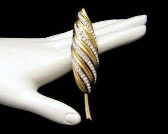 MARVELLA Vintage Leaf Brooch Pin Mid Century Sparkling Rhinestones Goldtone NOS Beautiful