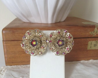 Vintage 1960s signed sarah coventry  fashion flower earrings