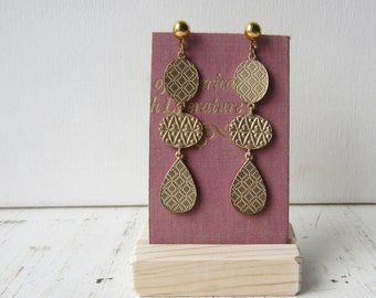 Pink Earring Display - Earring Card & Wood Holder Reversible Recycled  Book Jewelry Display - Ready to Ship