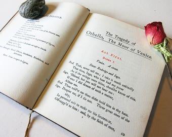 Othello Red William Shakespeare 1901 Vintage pocket book English Literature Classic books