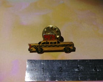 Vintage 90's, New York yellow cab pin enamel pins